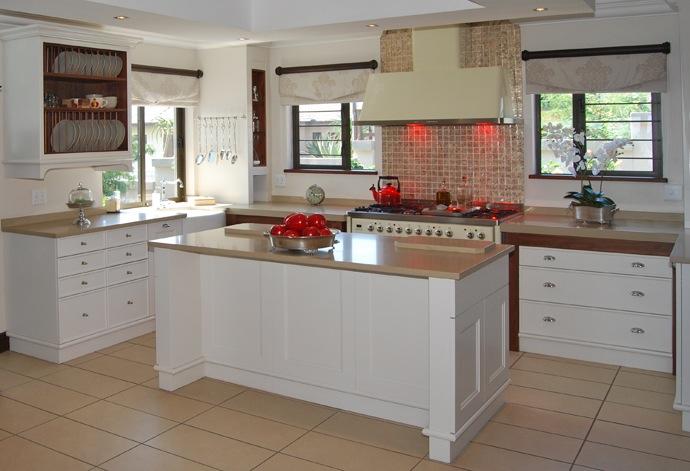 Kitchen layout with island